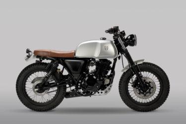 新バイクは「AKITA」 英国製、秋田犬の力強さ由来